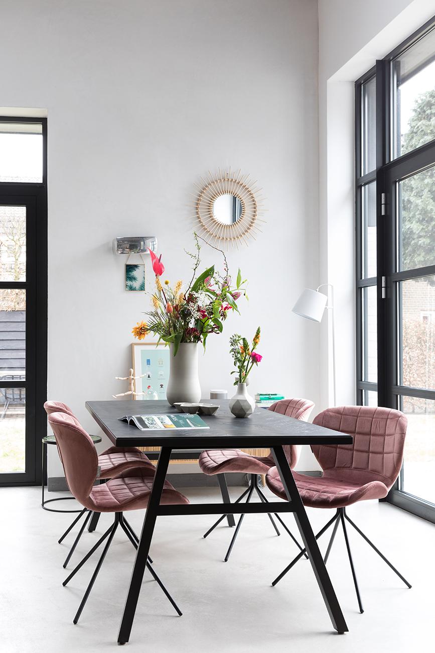 Zuiver Stoel Omg : Stoel omg velvet kleur old pink roze deba meubelen