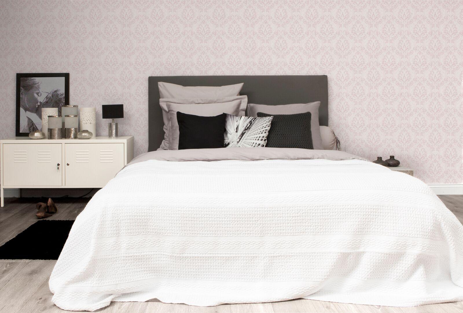 Slaapkamer Meubels Wit : Bedsprei amarige kleur wit wit deba meubelen