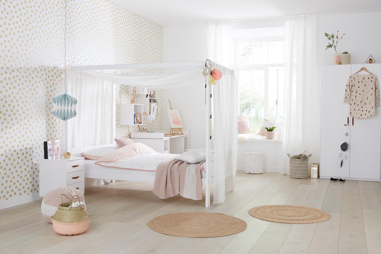 Hemelbed In Slaapkamer : Een slaapkamer met schuin plafond inrichten zó doe je dat roomed