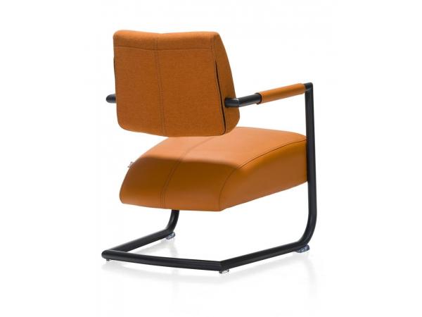 Lounge Fauteuil Zack.Fauteuil Oranje Oranje Deba Meubelen
