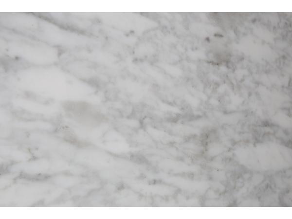 Zuiver White Stone Bijzettafel 40 Cm.Salontafel White Stone Marble Wit Deba Meubelen