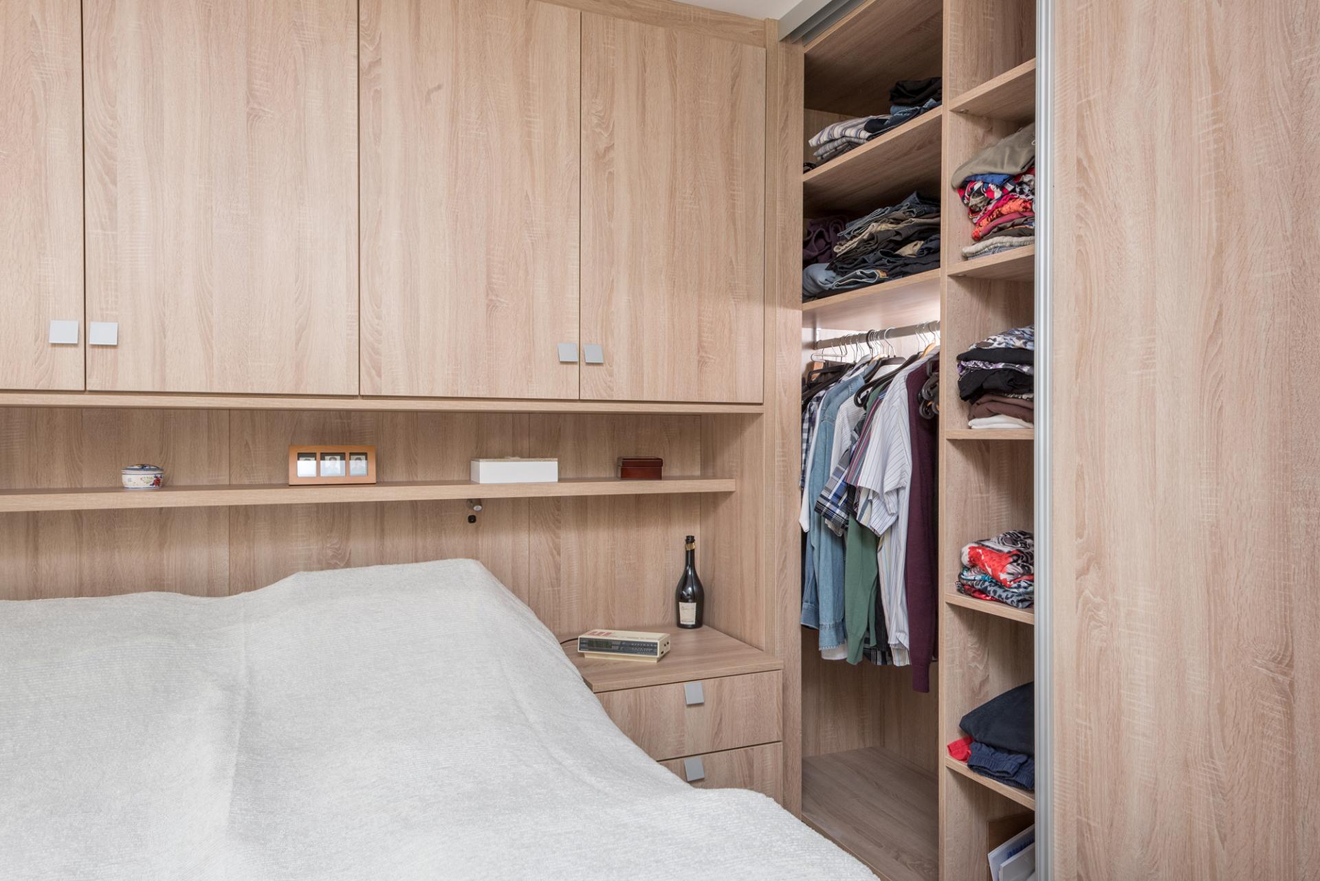 Woonideeen Slaapkamer Paars : Slaapkamer met brug realisaties maatwerk deba meubelen