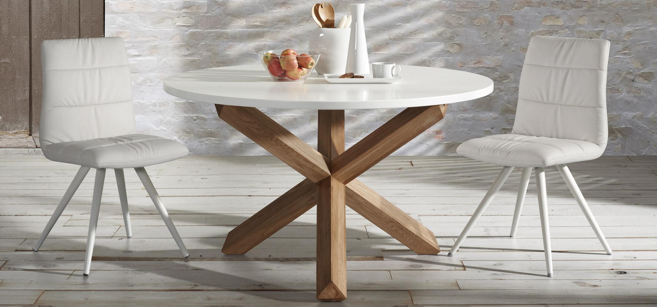 Eetkamertafel rond nori kleur eik naturel bovenblad wit wit